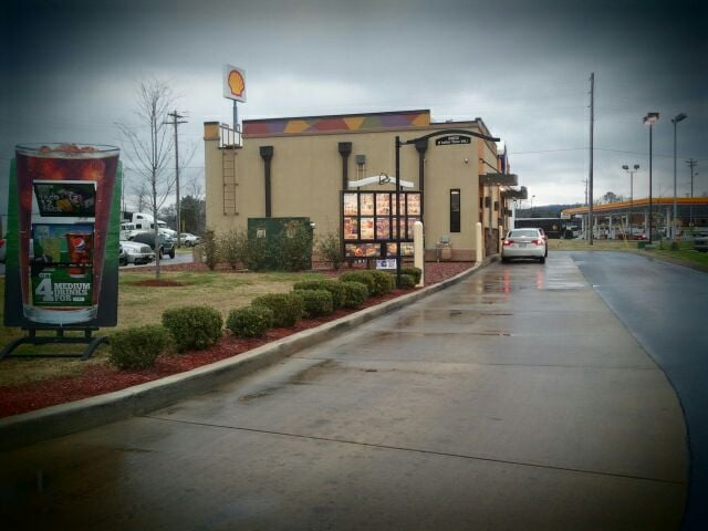 Taco Bell: 310 Big Mac Drive, Cookeville, TN