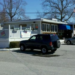 The Yankee Clipper Closed Seafood 157 W Main St Niantic Ct