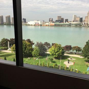 Foto De Best Western Plus Waterfront Hotel Windsor On Canadá
