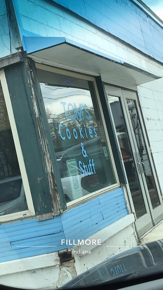Tom's Cookies And Stuff: 158 S Main St, Fillmore, IN