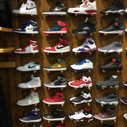 Sneaker Villa Sport Zubehör 3427 East Trinity Mills Rd Dallas