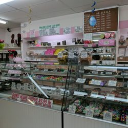 64a6bcd2 Schneider's Sweet Shop - 60 Photos & 68 Reviews - Candy Stores - 420 ...