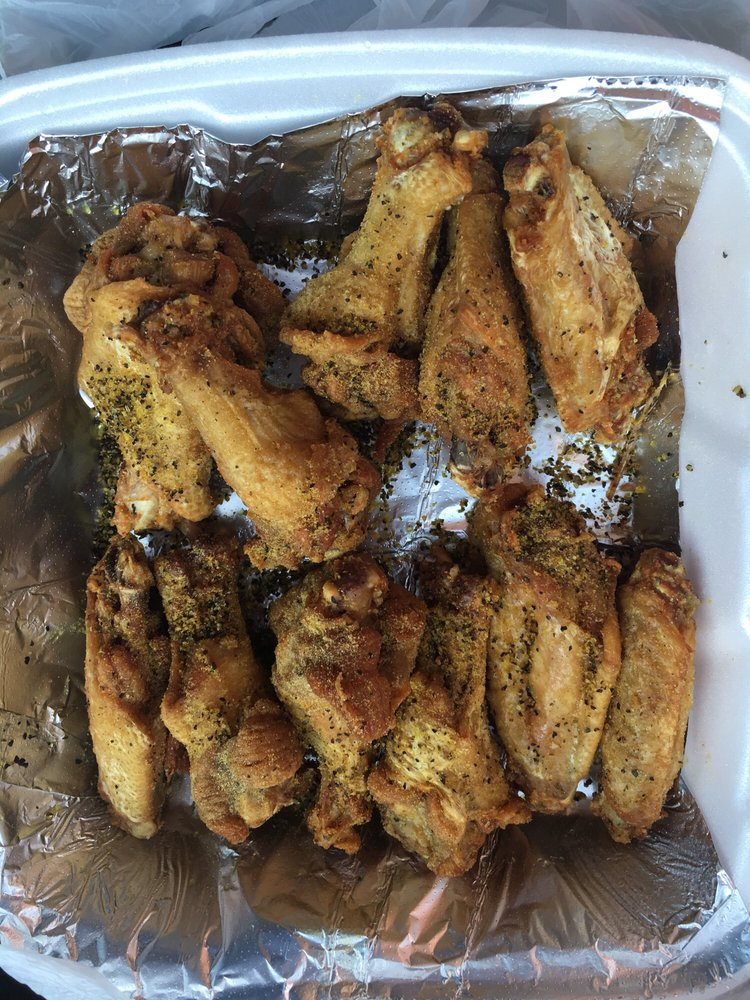 Big Shot Bob's House of Wings - Weirton: 241 Three Springs Dr, Weirton, WV