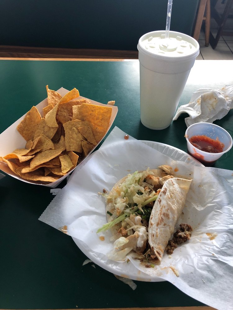 El Rodeo Bar & Grill: 950 McKinley Ave, Frankfort, IN