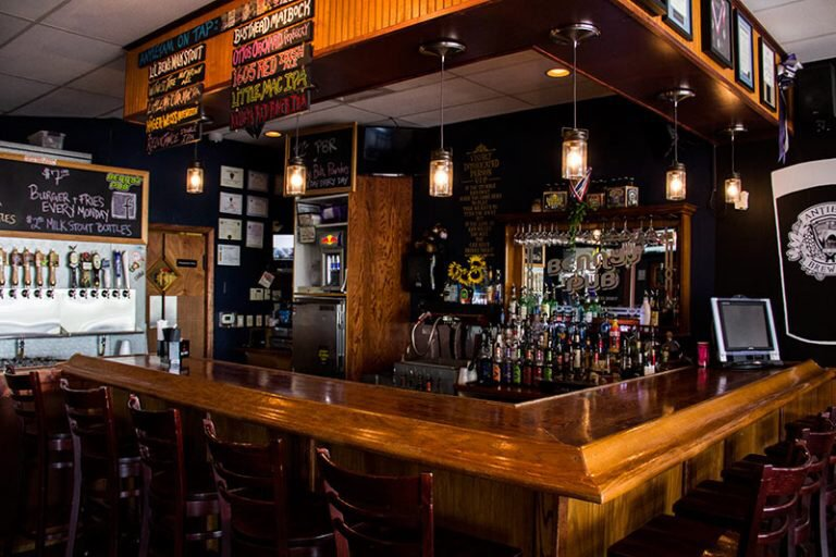 Benny's Pub: 49 Eastern Blvd N, Hagerstown, MD