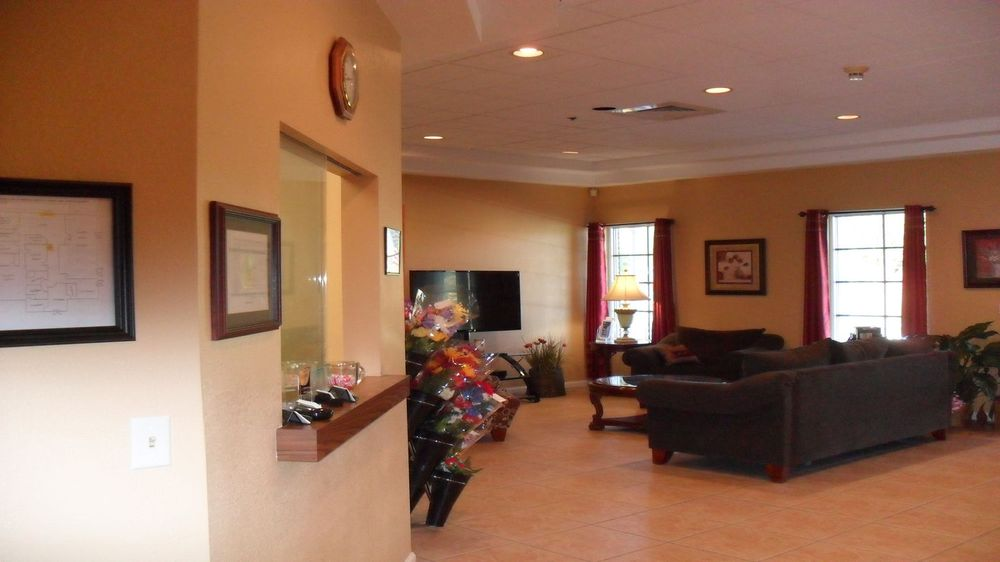 Groover Funeral Home: 1400 36th Ave E, Ellenton, FL