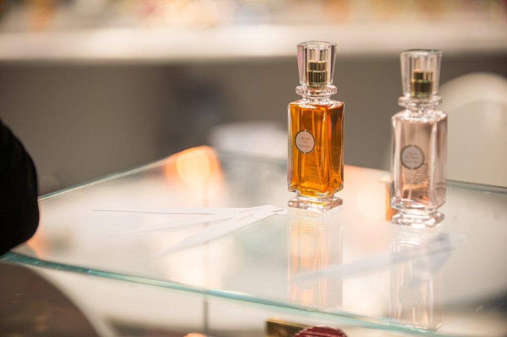Parfums Caron 10 Photos Perfume 23 Rue François 1er Champs