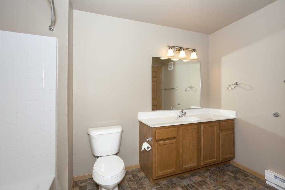 Vue28 Apartments: 3332 28th St W, Williston, ND