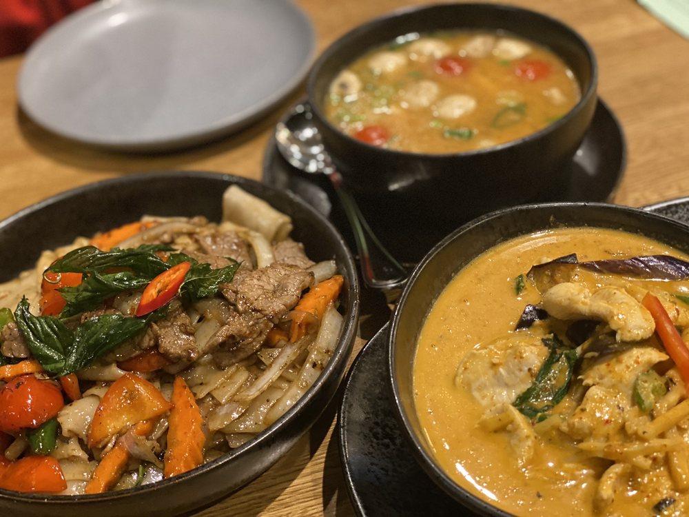 Dok Khao Thai Eatery: 6000 Merriweather Dr, Columbia, MD