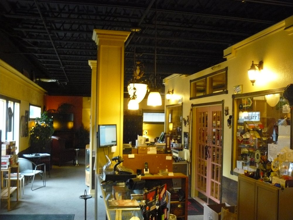 Tobacco Shoppe of Midland: 113 E Ashman St, Midland, MI
