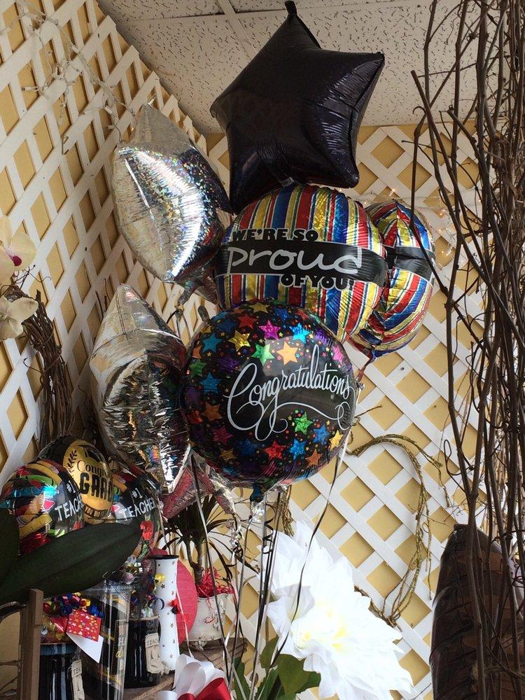 Buena Vista Floral & Gift Shop: 115 E 6th St, Buena Vista, GA