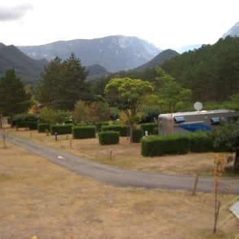 Camping la sapinette camping 21 avenue ren delpech for Piscine quillan