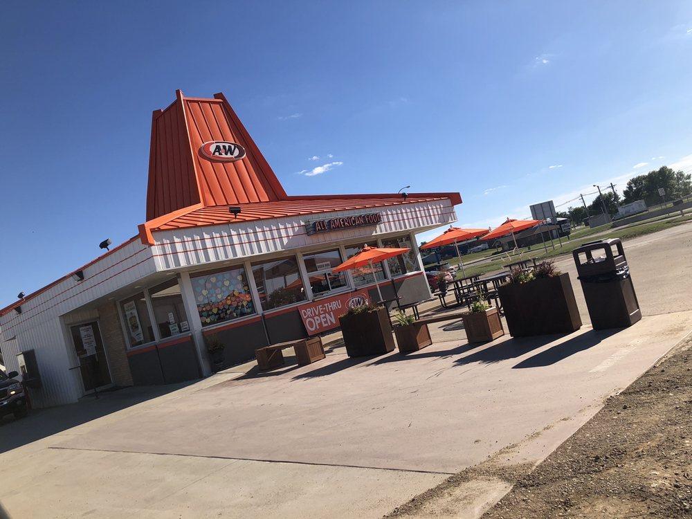 A&W Restaurant: 10 E Highway 12, Webster, SD