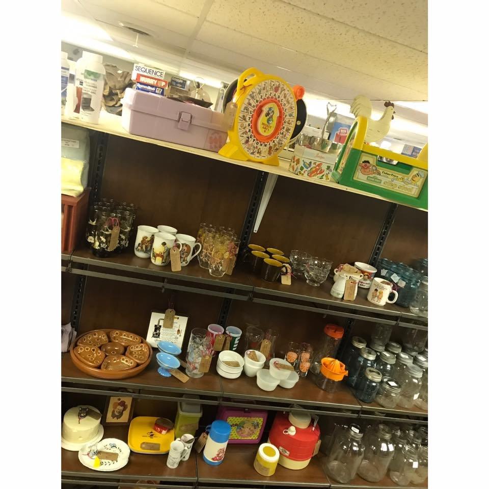 Shaggy's Indoor Flea Market: 175 N Crescent Ridge, Dubuque, IA