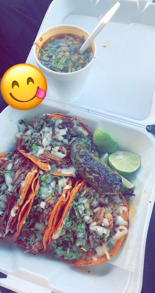 Food from El Tlaxcalteca Restaurant