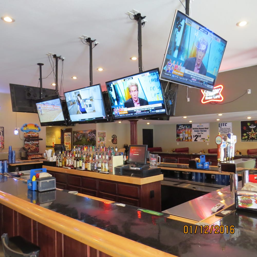Goettens Oasis Restaurant: 1109 5th St, Carrollton, IL