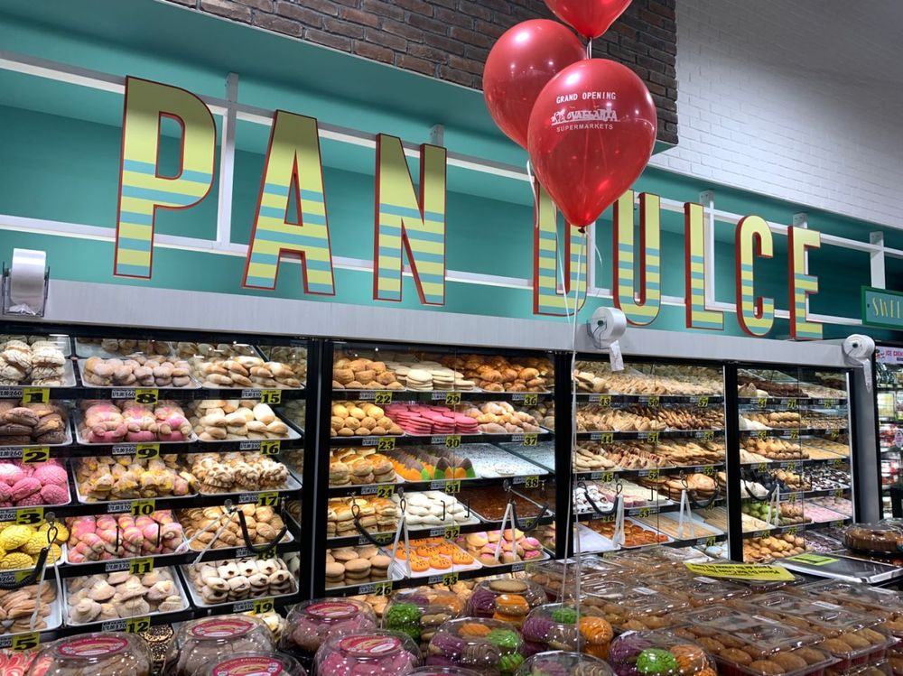 Vallarta Supermarkets: 1467 Country Club Dr, Madera, CA
