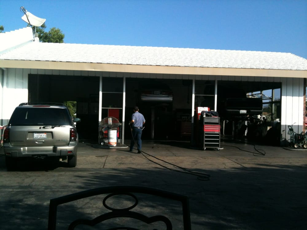 76 Gas Station: 3102 E Thousand Oaks Blvd, Thousand Oaks, CA