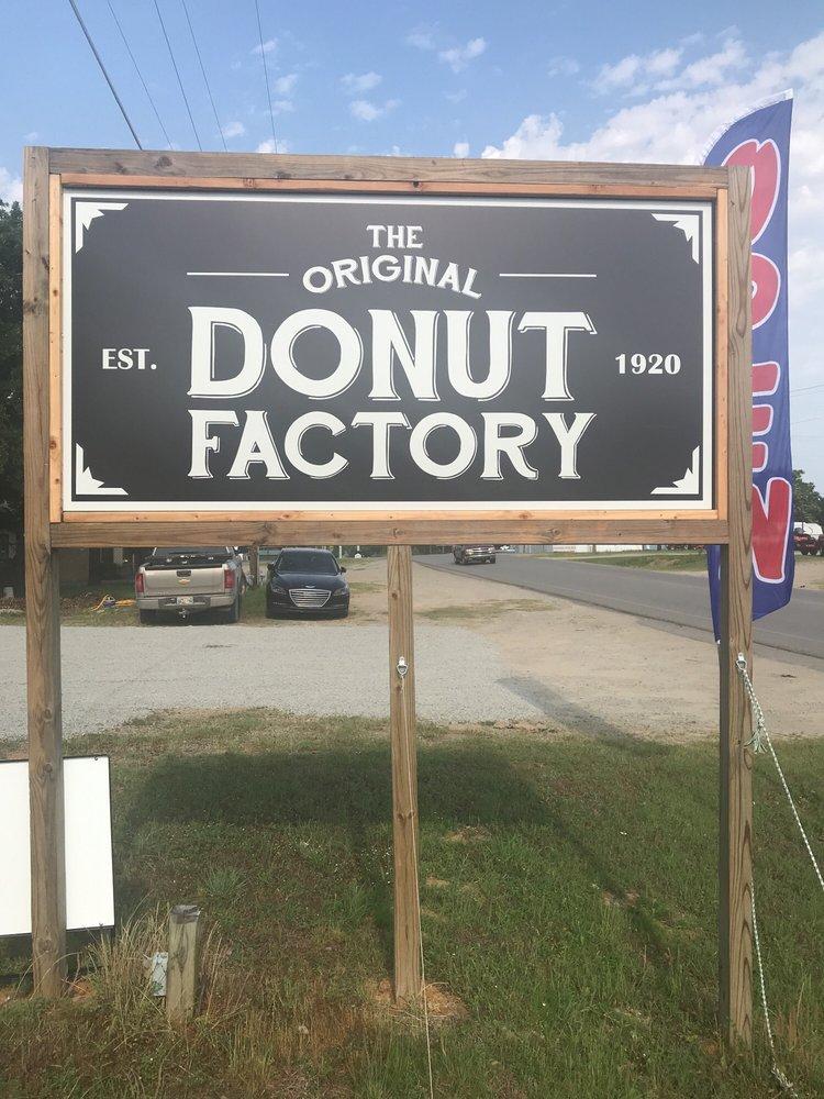 The Original Donut Factory: 205 E1140 Rd, Eufaula, OK