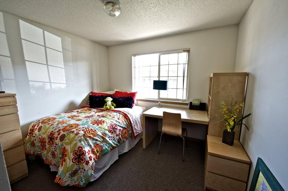 Hillcrest Park Apartment Bedroom Apartment Interior Yelp