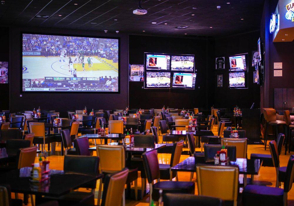 Zone 8 Sports Bar & Grill