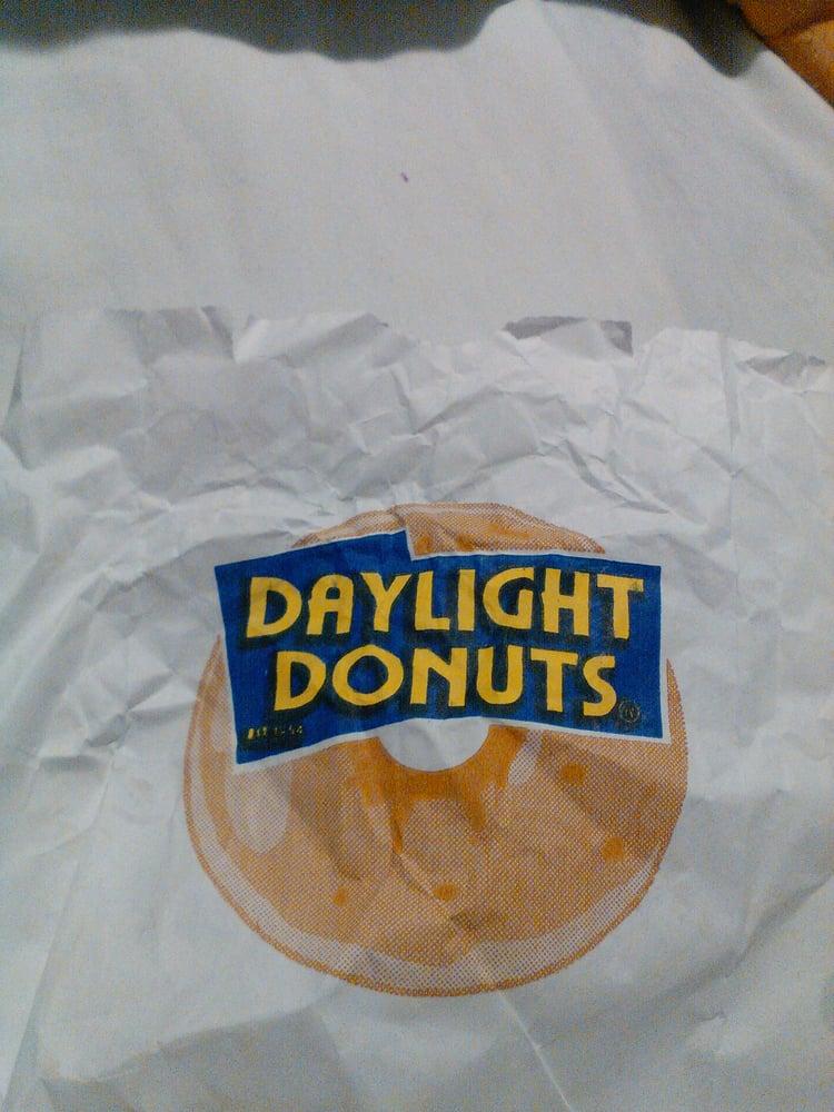 Daylight Donut: 505 W Hwy 82, Gainesville, TX