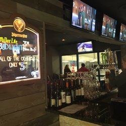 1 Finley S Bar And Grill