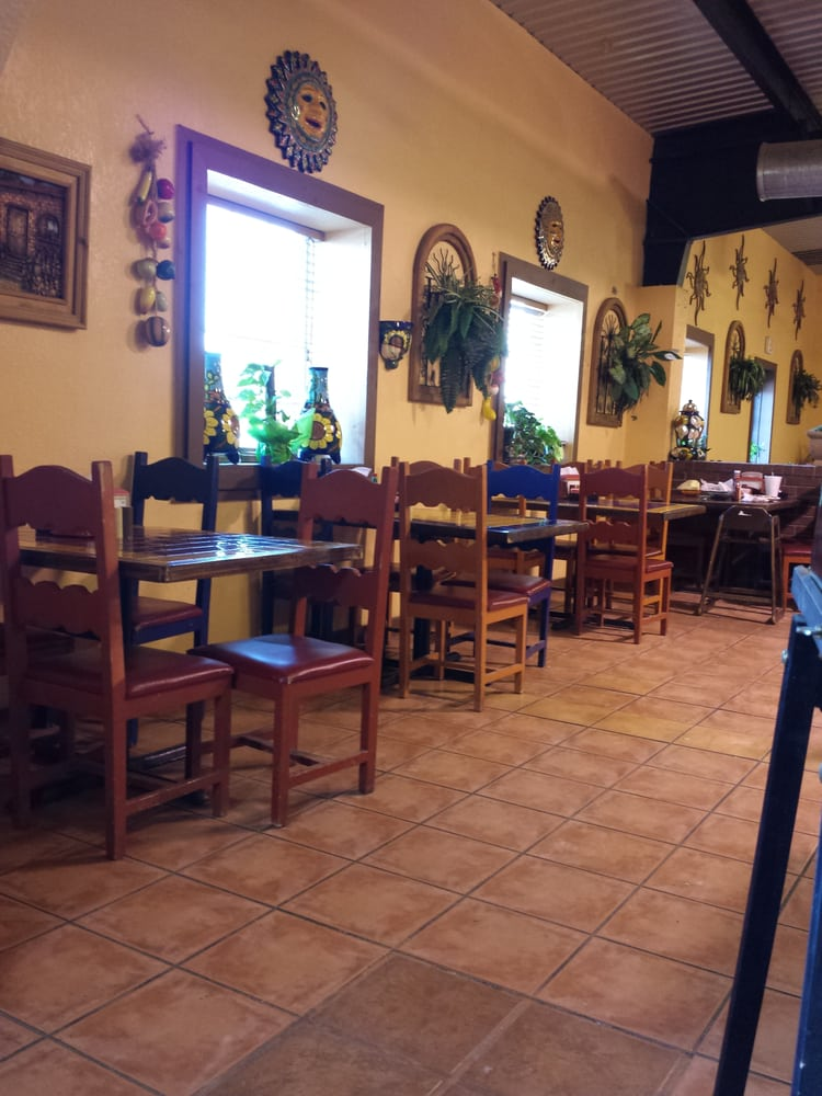La Mexicana: 808 N Main St, Andrews, TX
