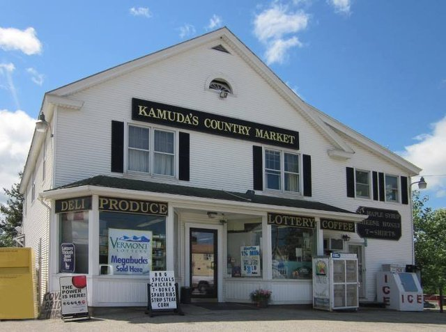 Kamuda's Country Market: 861 Arch St, Pittsford, VT