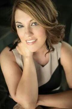 V&E Hair Studio: 4224 N Brandywine Dr, Peoria, IL
