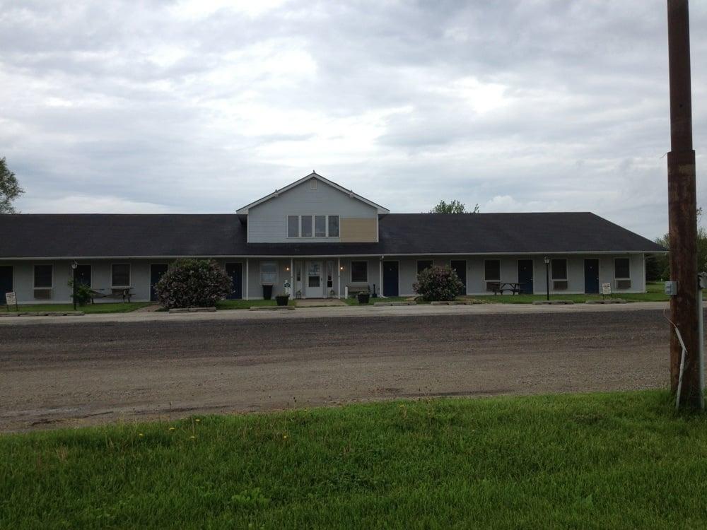 Countryside Inn: 1204 Guthrie St, De Soto, IA