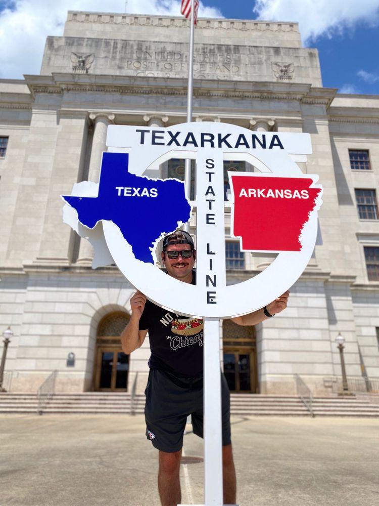 Texas / Arkansas State Line: Texarkana, TX
