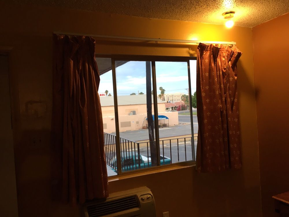 Regalodge Motel: 344 S 4th Ave, Yuma, AZ