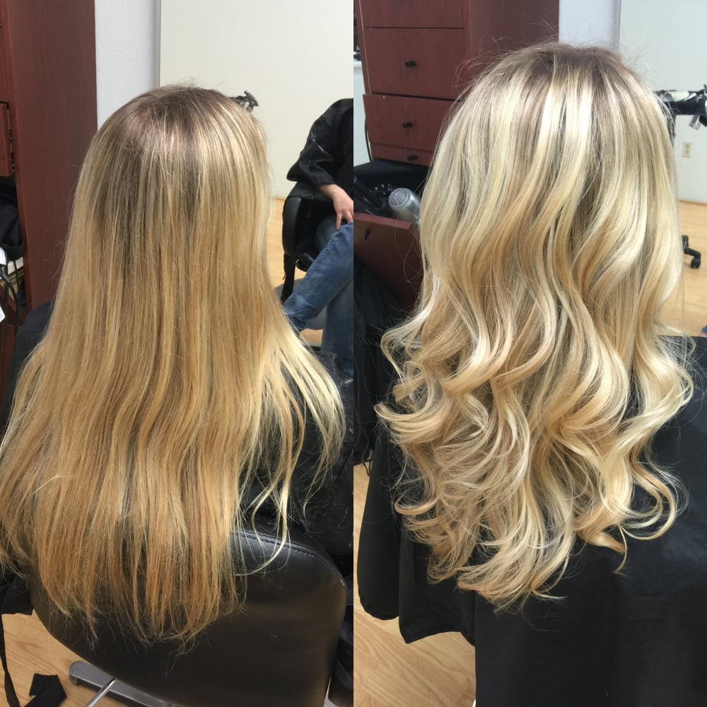 natural light ash blonde base with foil highlights to
