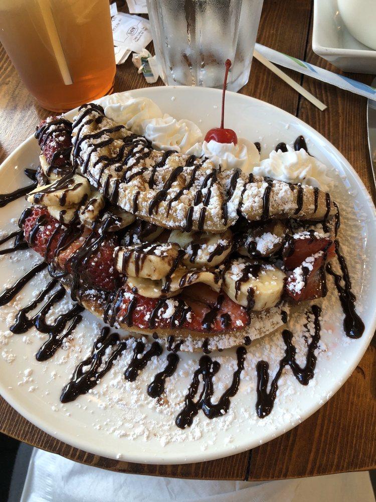 Cafe de Paris: 4830 Highway 17 S, North Myrtle Beach, SC
