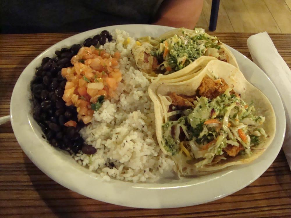 Wahoo s fish tacos 36 photos 82 reviews mexican for Fish tacos near me