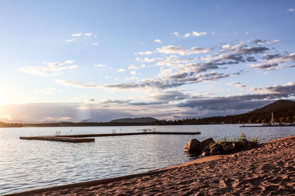 Granite Point Resort: 41000 Granite Point Rd, Loon Lake, WA