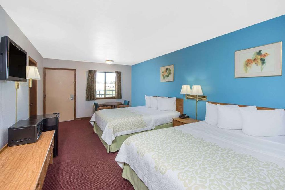Days Inn by Wyndham Mountain Grove