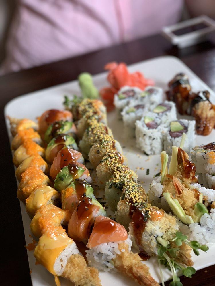 Photo of Wakame Sushi & Asian Bistro: Minneapolis, MN