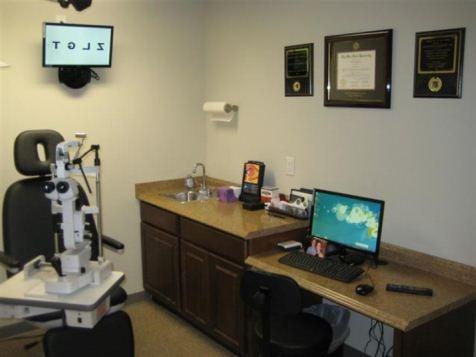 Eudora Eye Care: 101 W 10th St, Eudora, KS