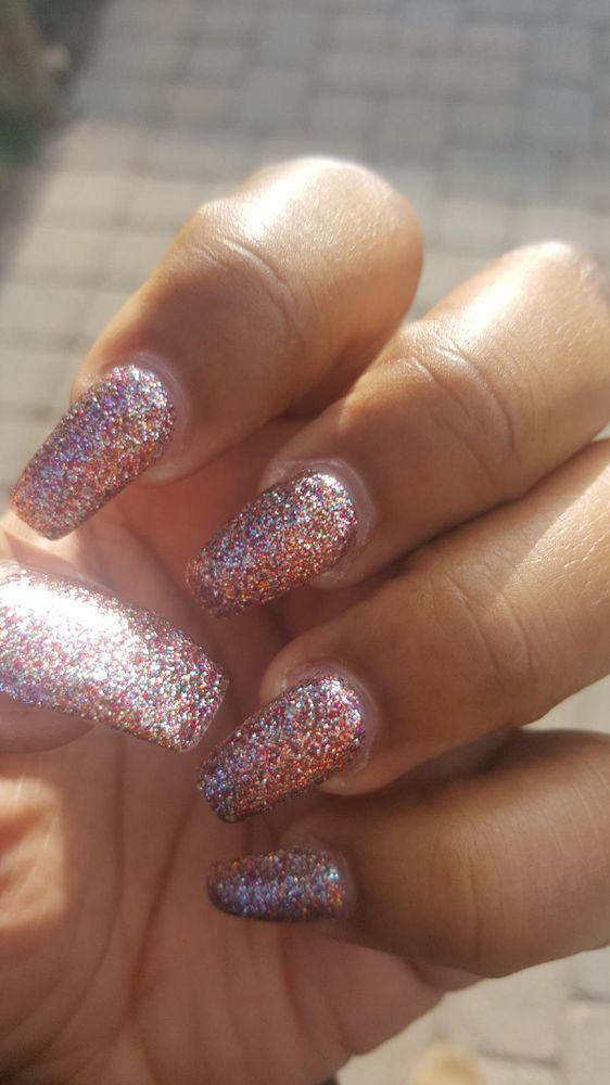 Nikki Nails: 208 N Hwy 67, Florissant, MO