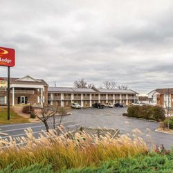 Econo Lodge Inn Suites Lake Of The Ozarks Hotels