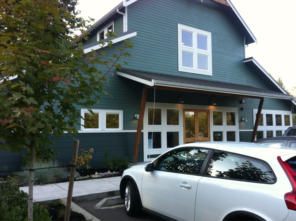 Clearview Animal Hospital: 8424 180th St SE, Snohomish, WA