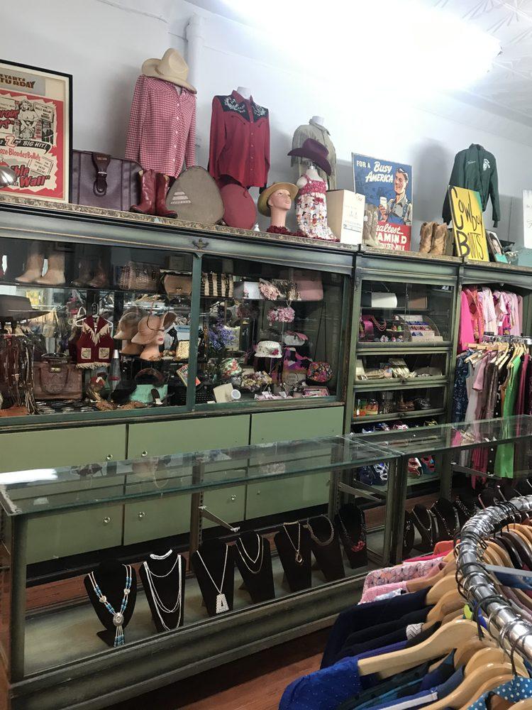 Flamingo Vintage: 5449 W Vernor Hwy, Detroit, MI