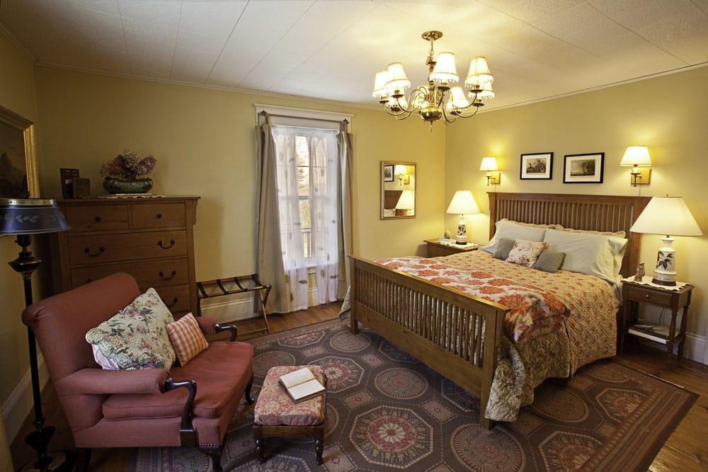 Lyttleton Inn: 423 King St, Littleton, MA