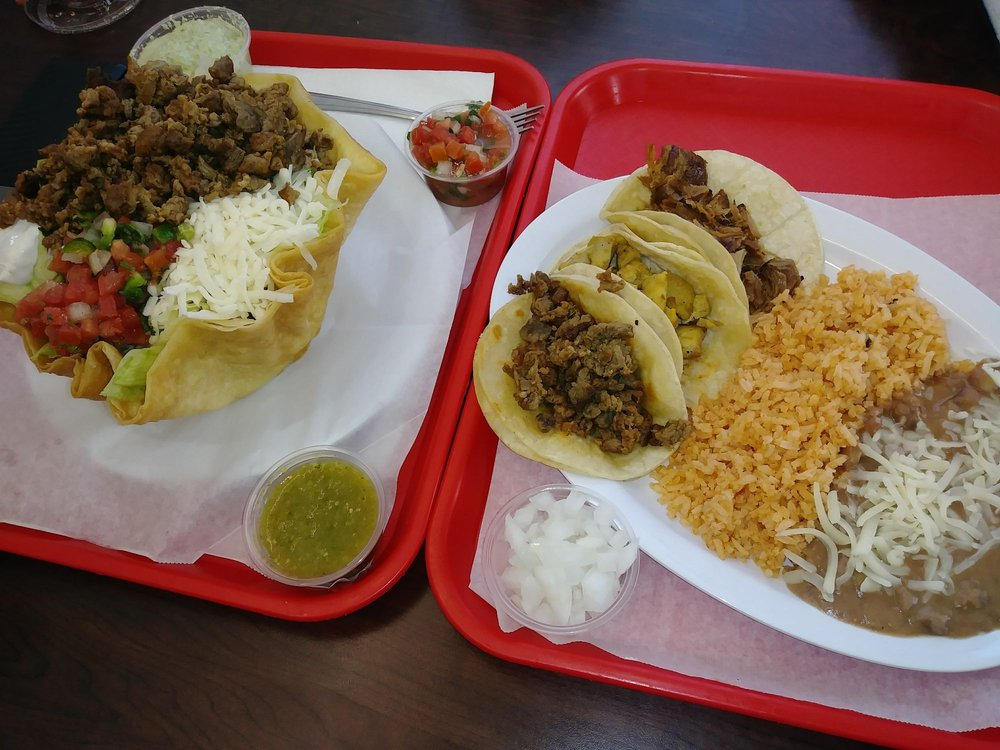 Food from Mr Piggies taqueria