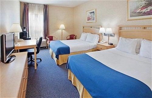 Holiday Inn Express & Suites Abilene: 110 E Lafayette Ave, Abilene, KS