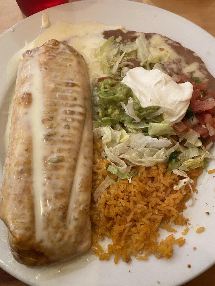 Cancun Mexican Grill & Bar: 732 Dolly Parton Pkwy, Sevierville, TN