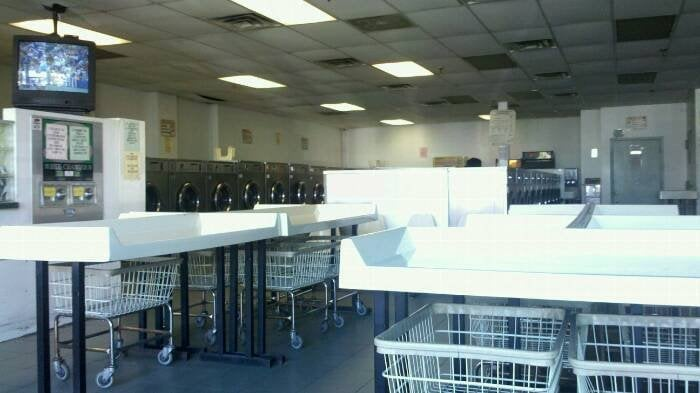 Harborview laundromat laundromat 50 richmond ter st for 1893 richmond terrace staten island ny 10302