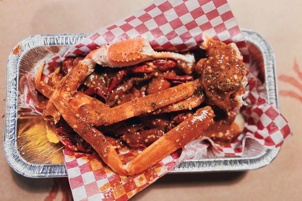 Crab Attack Cajun Seafood Shack: 1117 1st Ave SE, Cedar Rapids, IA